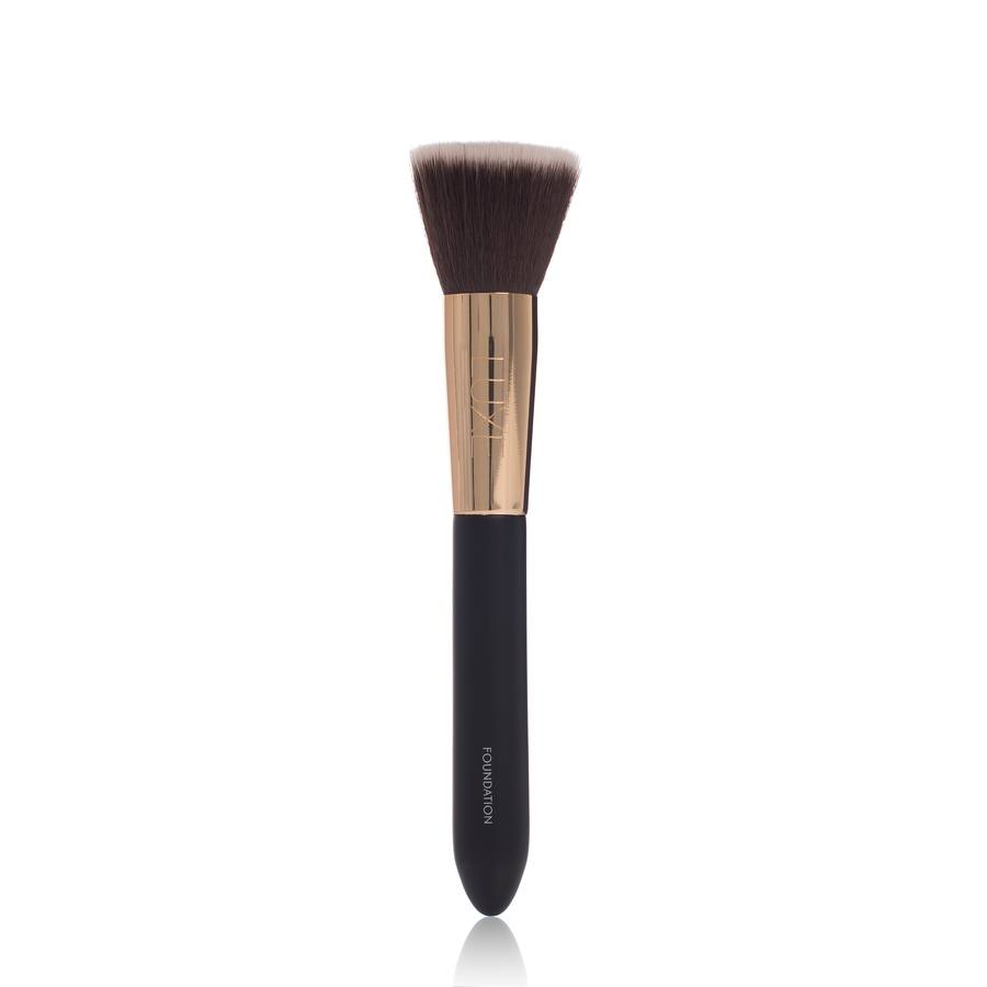 gloMinerals Brush Luxe Foundation